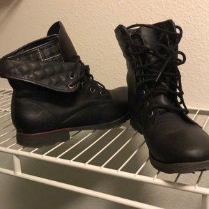 Mid rise combat boots